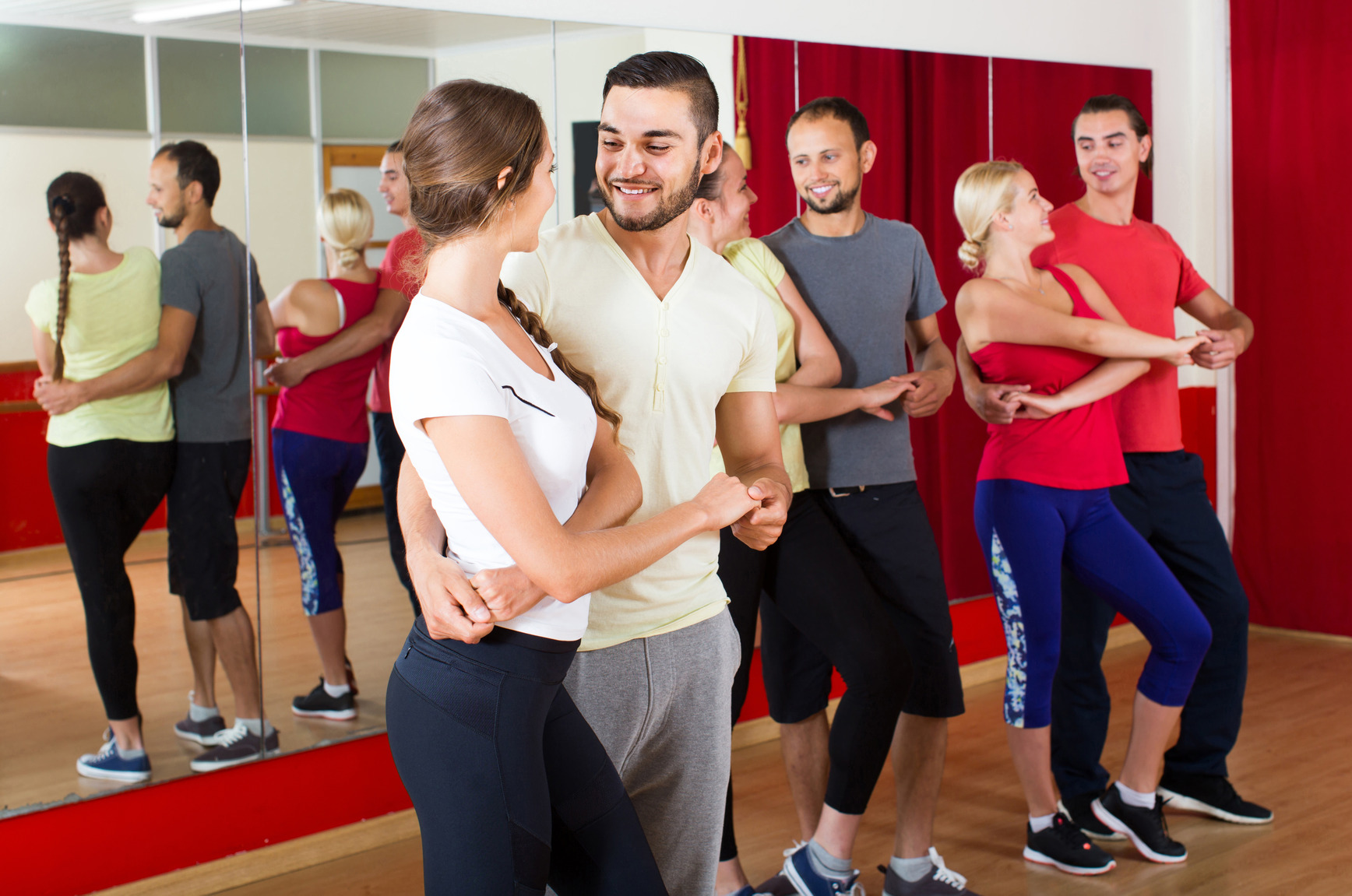 Learn to Dance at Group Dance Classes